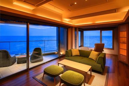浜の湯・客室「海音」リビング