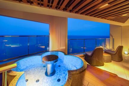 浜の湯・客室「海音」露天風呂